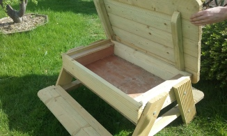 Childs table / sandbox
